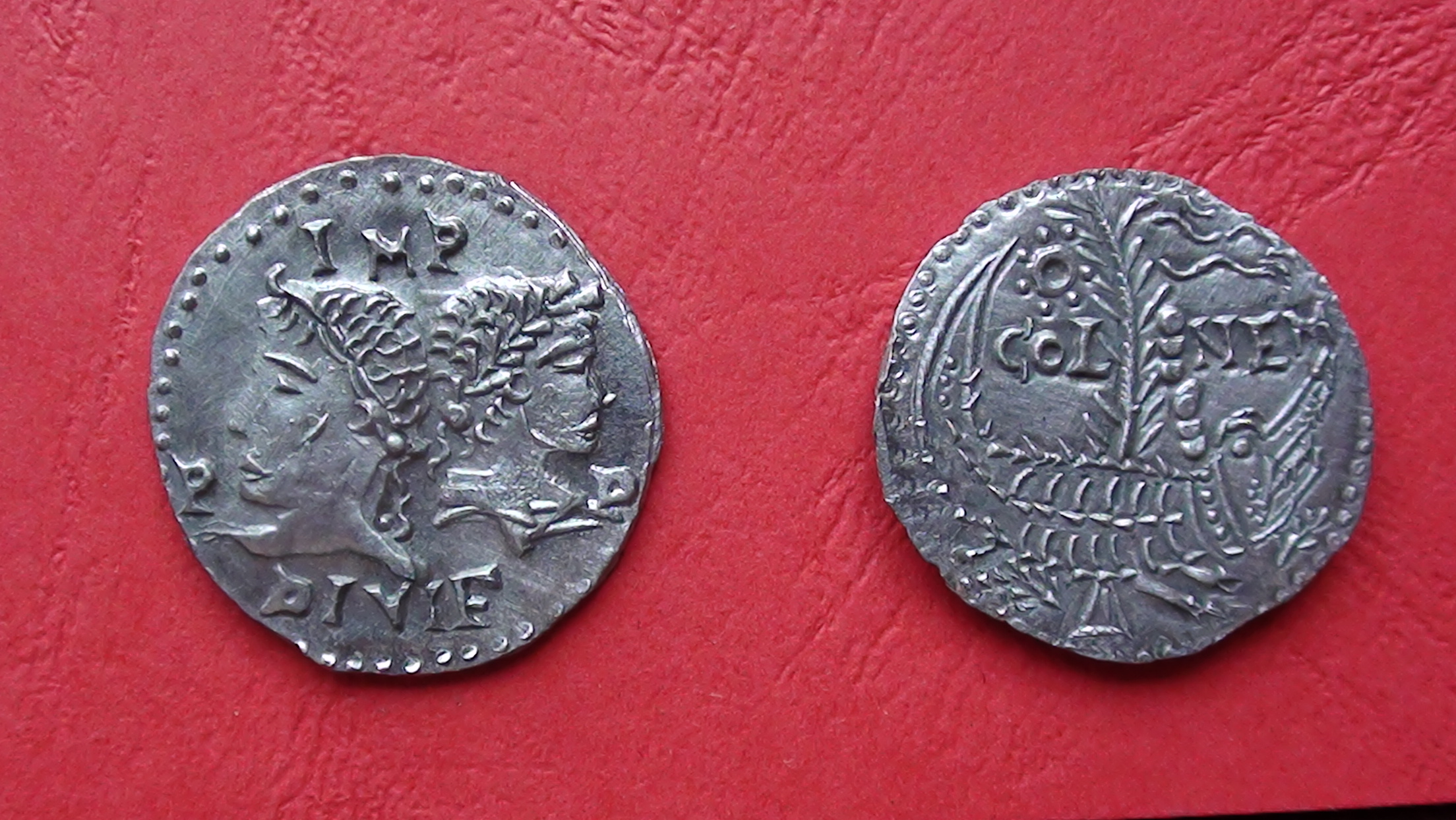 Pièce d'Auguste et Agrippa